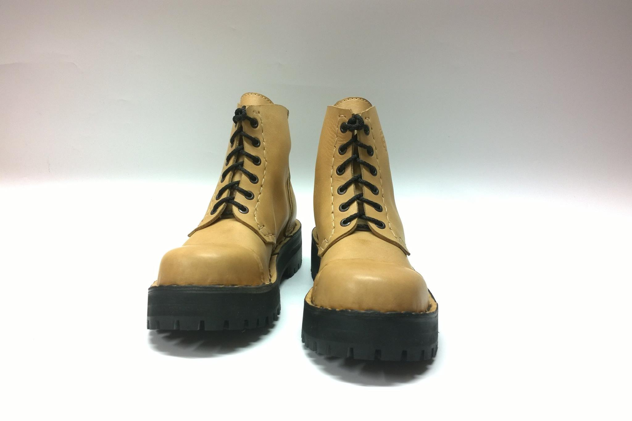 Cockney boots natural leather
